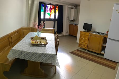 Large apartment with garden - Leilighet