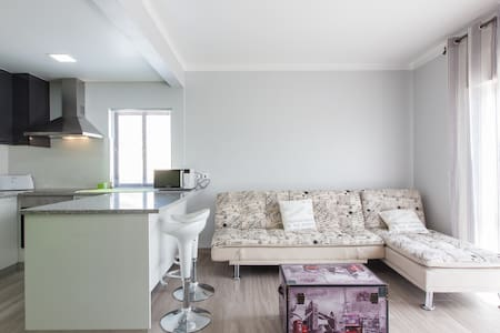 Surf City Flat in Peniche/ Baleal - 7PAX - Daire