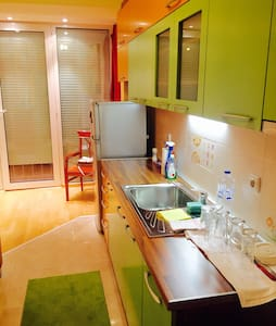 Brand new 68m2 colorful apartment - アパート