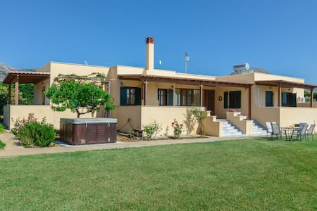 Naxos cottage 2 - Villa