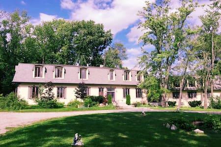 Kennedy Estate - Kisház