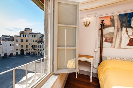 Alessio's loft with view,wifi,airconditioning - Lucca