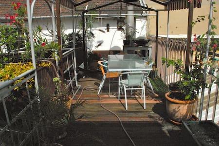 Petit Loft avec jolie terrasse