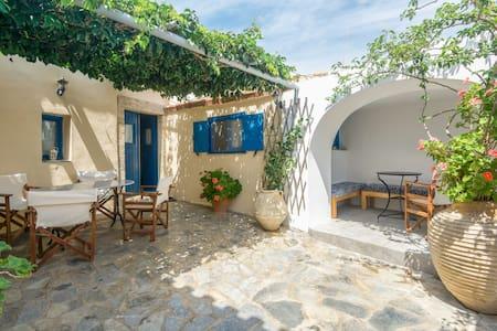 Summer house on the island Kythira - Haus
