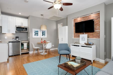 Renovated Condo in Heart of Downtown Portsmouth - Társasház