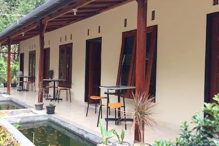 Guesthouse Rumah KayuKu - Mandiangin Koto Selayan