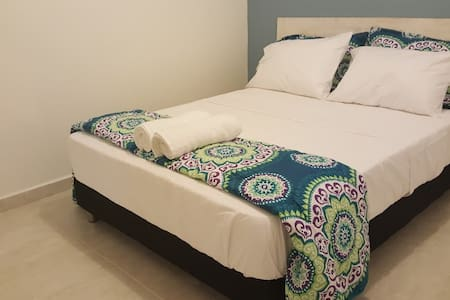 Palomino Guest House. Comfy, private, free wifi. - Palomino - Apartment