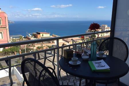 Terrazzino e panorama mare Taormina wi fi - Taormina