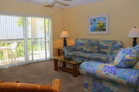 #239 at Surf Song Resort - Társasház