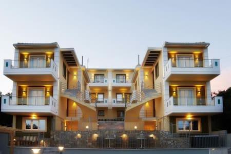 Residence with Sea View - Kastrosikia