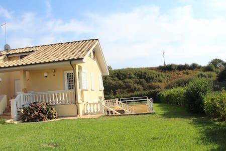 Porzione di Villetta bifamiliare - Villa