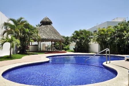 Casa Las Ceibas; Vallarta - Dom