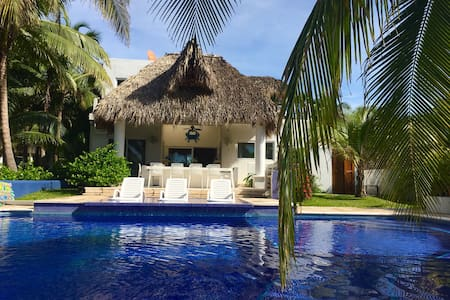 Gated Ocean Front Villa in Chulamar - Port of San Jose - Casa