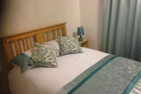 Good size room with comfortable bed - House