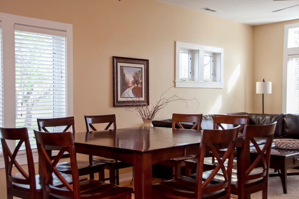Large Dining Room Table for 8 + peninsula adjacent with seating for 2!