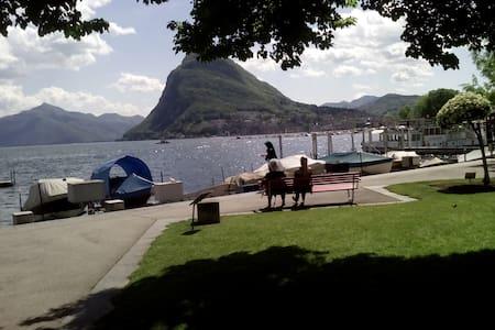 Lakefront,cozy,newly refurbished. Near fairground - Lugano - Apartment