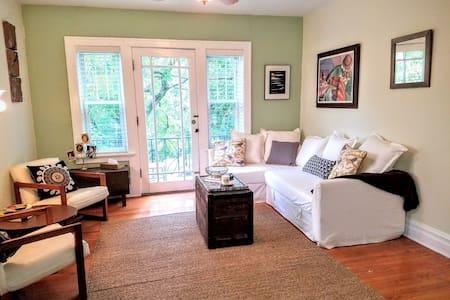 Urban Roost: Garden Suite - St. Louis - Appartement