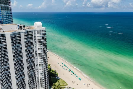 Style.Comfort. Luxury Ocean Front All Inclusive - Sunny Isles Beach - Daire