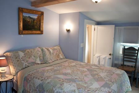 Cozy Inn Room 1 Qn Bed