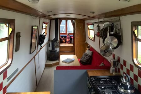 Narrow Boat, Bath Canal - Sleeps 2 - 6 - Båt