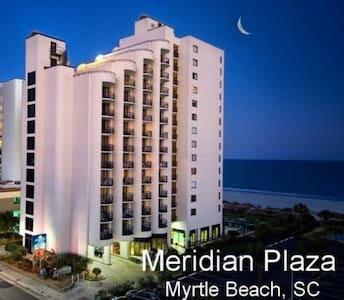 Beachfront Luxury Deluxe King Suite - Myrtle Beach - Villa
