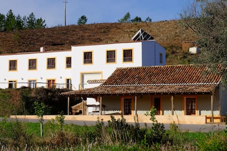 Bed in 5 - Bed Dormitory Room - Mexilhoeira Grande - Hus
