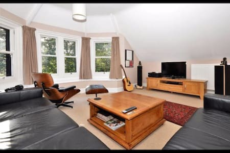 Charming character flat. - Bournemouth