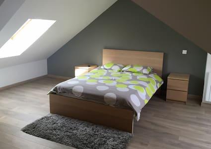 Belle chambre duplex dans maison en colocation - Dunkerque - Talo