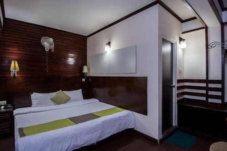 The Nettle and Fern Hotel- Deluxe Double Bed - Other
