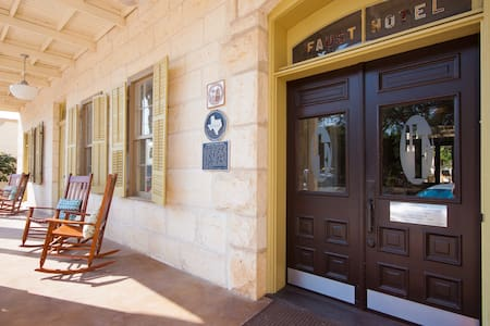 Hotel Faust - NEW LISTING! - Bed & Breakfast