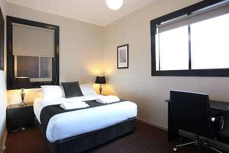 Newly renovated Macquarie House (4) - Hobart - Apartment