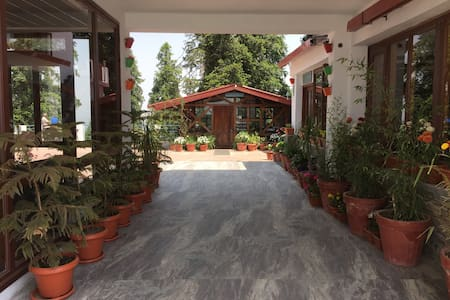The Hermitage Kanatal - Bed & Breakfast