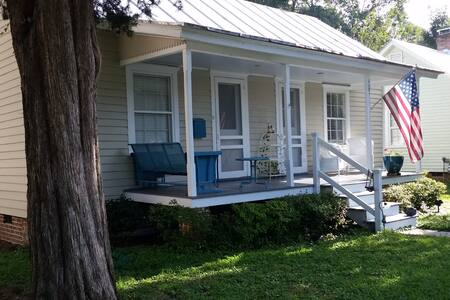 Azalea Cottage in Edenton Cotton Mill Village - Edenton - Huis