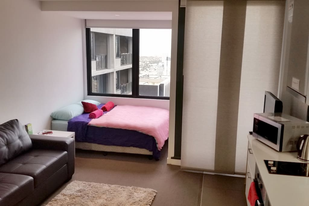 Open plan apartment with great view!