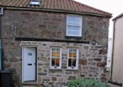 Stoney Creek Cottage in Crail - House