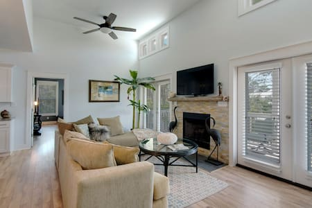 30-A Stay and Play. Walk to the beach! - Santa Rosa Beach - House