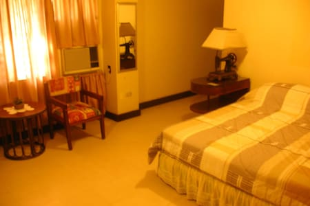 Fortuna Pension House Room - Silay City - Bed & Breakfast