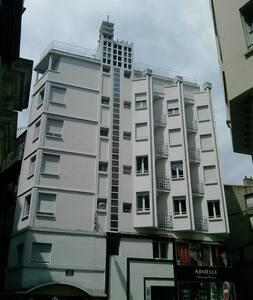Studio lumineux plein centre ville - Apartment