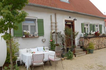 Wunderschönes Bauernhaus - Oase der Ruhe! - Apartamento