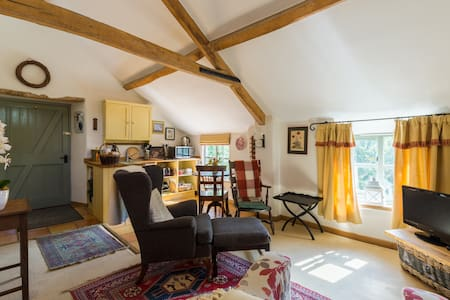Studio loft  in pretty village - Oxfordshire