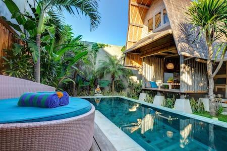 Romantic Luxury Escape Seminyak - Villa