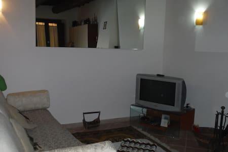 Via Francigena Tappa 41 del Lazio - Haus