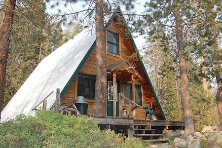 Top 20 kingvale vacation rentals vacation homes condo for Yuba river retreat cabins