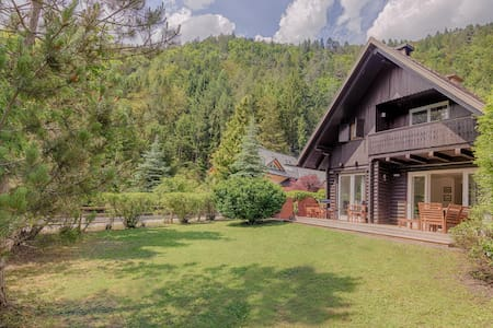Chalet with Charm, just renovated - Gozd Martuljek - Chalet