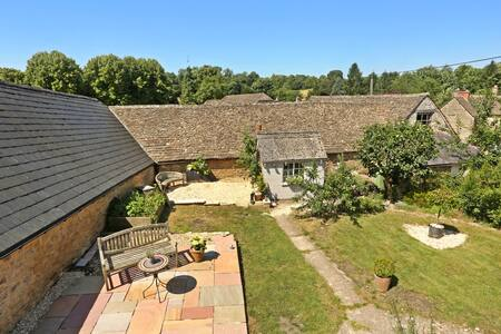 Quintessential Cotswolds Cottage Bed & Breakfast - Gloucestershire - Bed & Breakfast