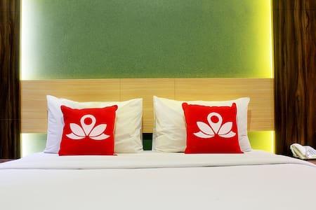 Chic Room at Lengkong Gatot Subroto - Lengkong