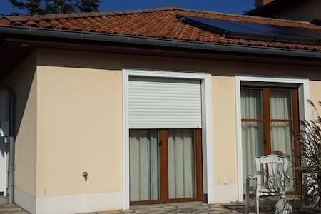 Wohnung mit Terrasse und eigenem Eing nahe Hamburg - Apartamento