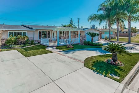 Amazing!!! 4Bed/3Bath/Pool/Spa! - Garden Grove - Haus