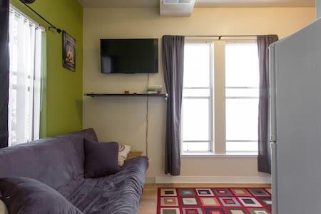 Small Studio in the Heart of Downtown Santa Cruz - Santa Cruz - Apartment