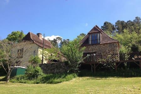 Great Base to Explore the Dordogne Region - House